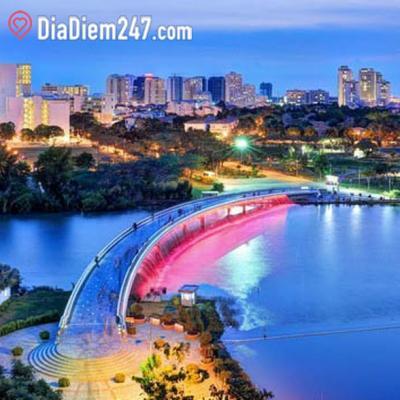 Công viên Cầu Ánh Sao – Hồ Bán Nguyệt